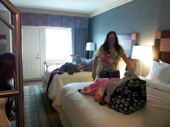 Clarion Inn Dollywood Area:                   Double queen room 406