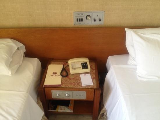 """Carlton Hotel Brasilia :                   criado mudo """"de volta ao passado"""""""