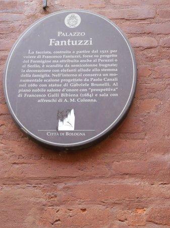 San Vitale e Agricola in Arena:                   Cartiglio Palazzo Fantuzzzi-Bologna
