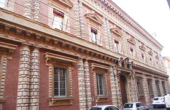 San Vitale e Agricola in Arena:                   Palazzzo Fantuzzi -Bologna