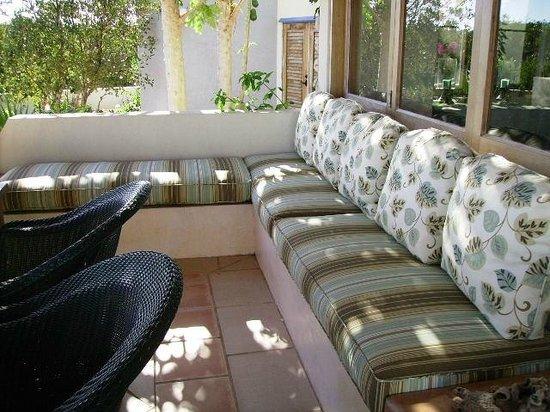 Mangrove Villas at Indio Reef: Outdoor Lounge