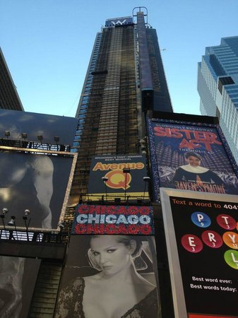 W New York - Times Square: Hotel Towering Above