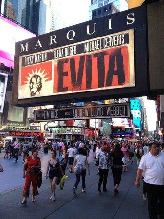 W New York - Times Square : Evita