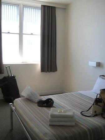 Sydney Harbour YHA:                   minimal room