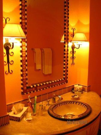 AVANI Victoria Falls Resort:                   приятные цвета радости