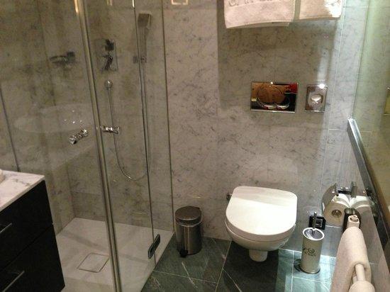 San Gian Hotel :                   Room