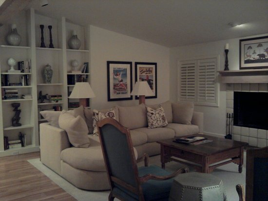 Sun Valley Lodge:                   Living Room in Lake Cottage