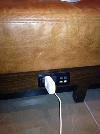 JW Marriott New Orleans:                   outlets under the seating in the Libby really came in handy