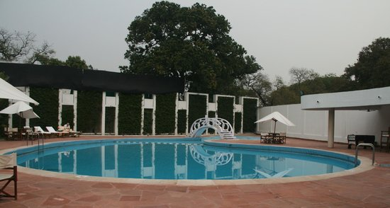 Maidens Hotel:                   Swimming pool