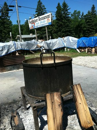 Door County, WI: Fixing to do a fish boil