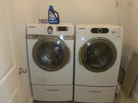 The Wright Place : Equipped Laundry Room