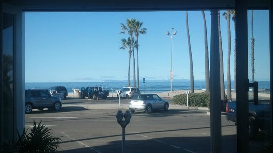 Newport Beach Hotel:                   Lobby view Catalina Island in the distance