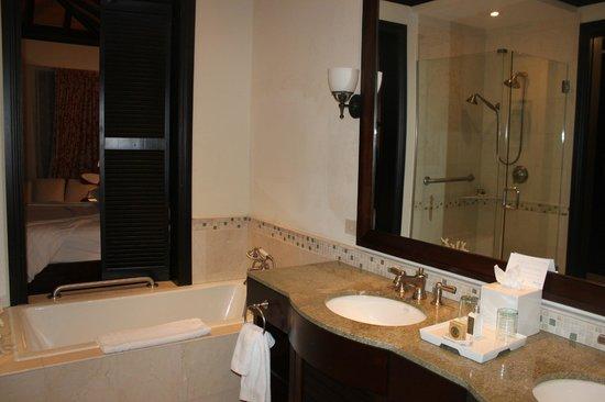 Scrub Island Resort, Spa & Marina, Autograph Collection :                   Bathroom