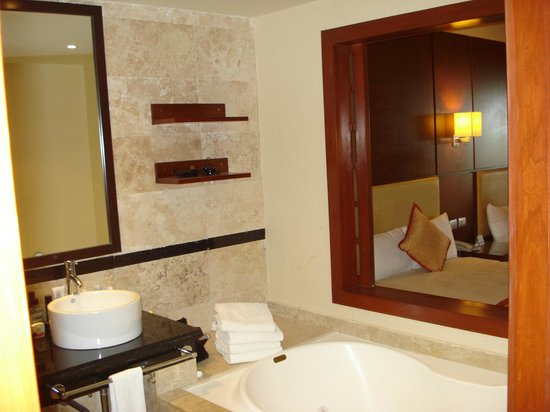 Grand Riviera Princess All Suites Resort & Spa:                                                       Deluxe junior suite