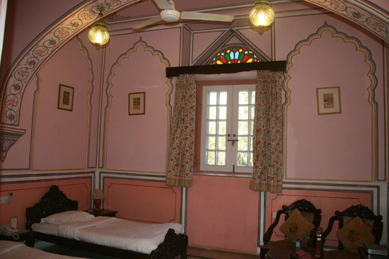Narain Niwas Palace:                   Bedroom in the garden cottages