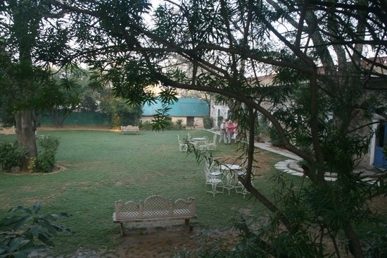 Narain Niwas Palace:                   Garden in front of the cottages.