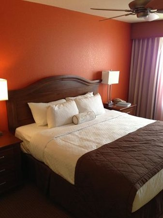 Villas de Santa Fe:                   wonderfully comfortable king size bed!