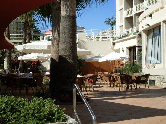 MedPlaya Hotel Pez Espada :                   Terrasse extérieure - Bar Franky's