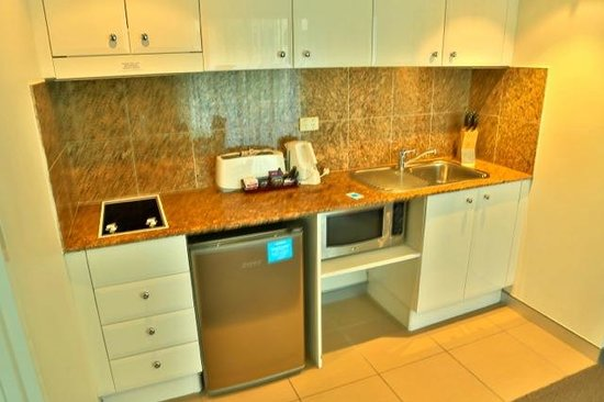 Wyndham Sydney Suites: Kitchenette