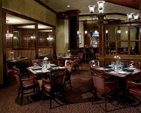 The Vista Bistro Italian Eatery: full bar available