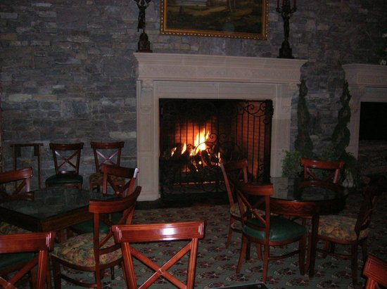 ‪‪The Inn on Biltmore Estate‬:                   The view of the fireplace at the Biltmore Dinning room