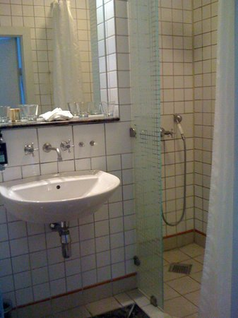 Hotel Alexandra: Bathroom
