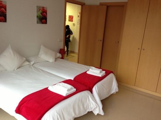 Charmsuites Nou Rambla Apartments:                   La chambre