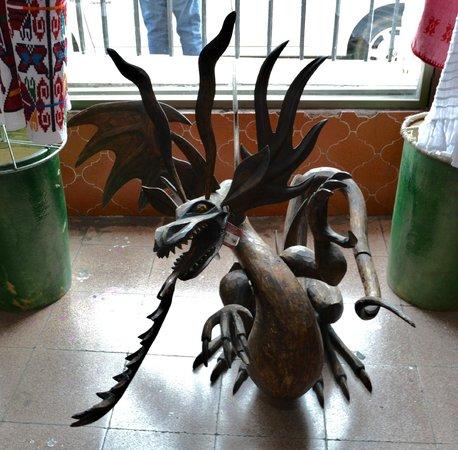 Mercado de Artesanias: mitología
