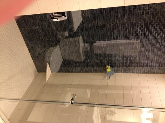 InterContinental New York Times Square: Nice shower