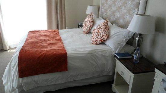 Hotel Zum Kaiser:                   Bed