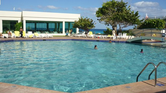 Park Royal Cancun:                   la grande piscine
