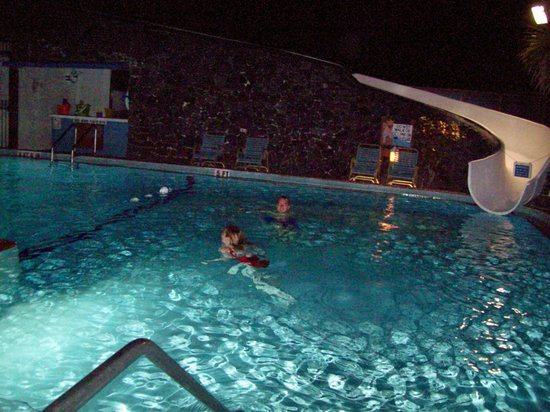 Sun Viking Lodge:                   Pools close at 10 pm