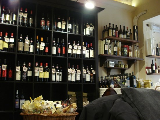 Enoteca Enotria: Wines in abundance and wonderful produce