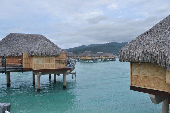 Le Taha'a Island Resort & Spa: daytime viw