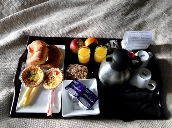Sterling Inn & Spa: Breakfast in bed