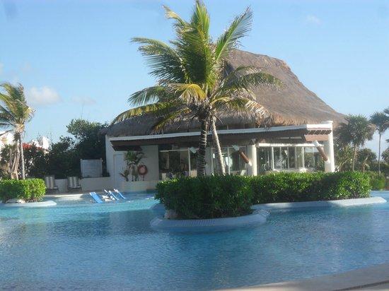 Kore Tulum Retreat and Spa Resort:                   Gimnasio y Barpool
