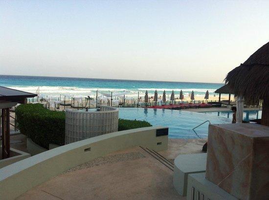 ME Cancun: 3