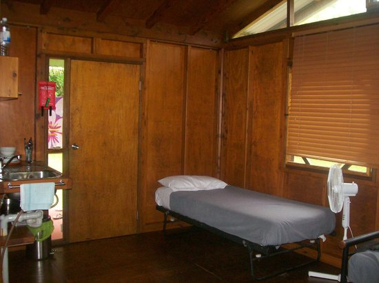 Daintree Rainforest Bungalows: Inside cabin-2nd single bed