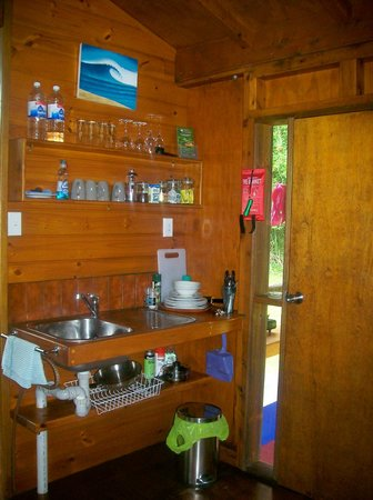 Daintree Rainforest Bungalows: Inside cabin-kitchen