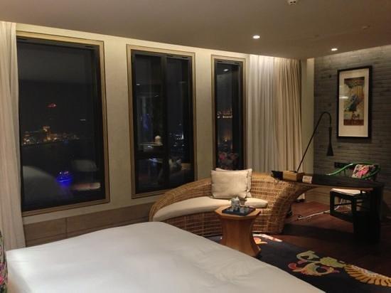 Hotel Indigo Shanghai on the Bund:                   Deluxe Room