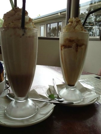 Gallo DairyLand : Iced chocolate and iced coffee