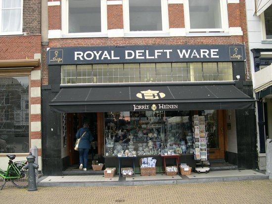 lots of Delft pottery shops