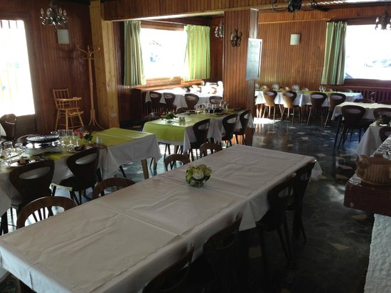 Hotel Eliova l'Eau Vive:                   Dining Room
