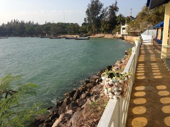 Fiji Palms Hotel Phuket:                                     beachfront views
