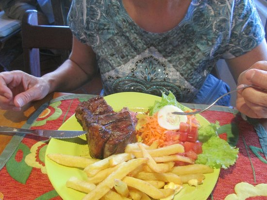 La Senyera Cocina Argentina:                                                       nice    steak- frite