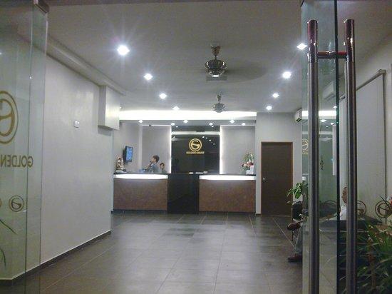 Golden Court Hotel-Tun Abdul Razak : the lobby
