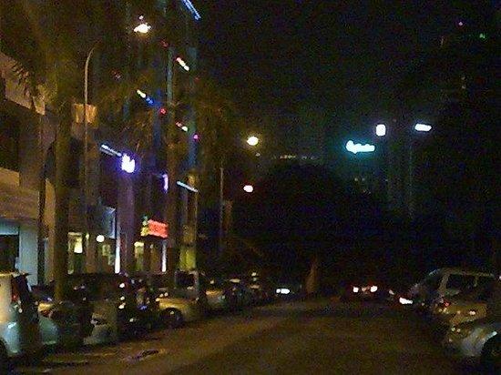 Golden Court Hotel-Tun Abdul Razak : Zeng zeng hotel is just nearby