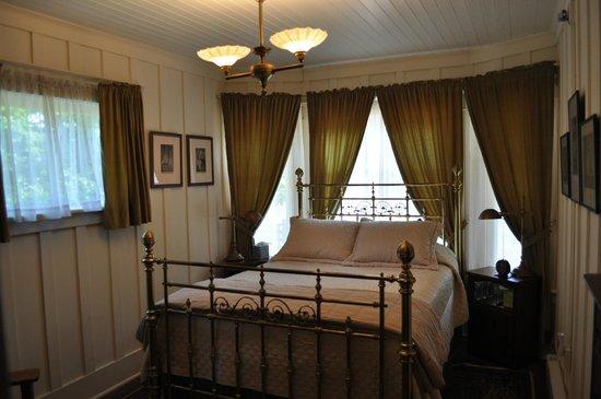 The George Johnson House: -