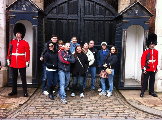 Yellow Moon Tours: A Private Tour Visits St James Palace