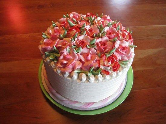 Uzi's Pastries:                   A birthday cake!